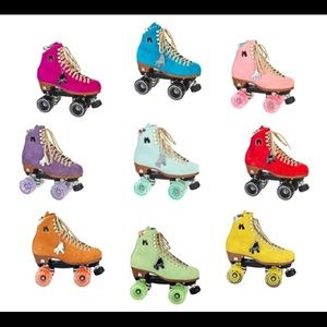 ISO Moxi Lolly Roller skates size 6 or 7 ANY COLOR